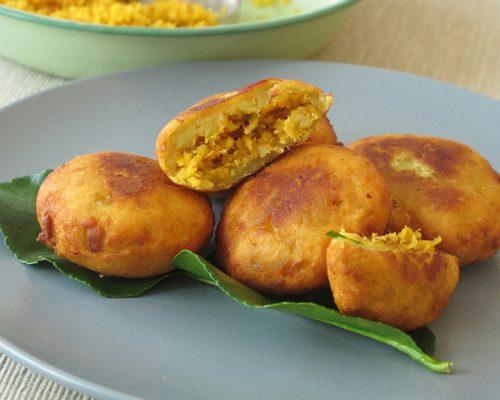 Món bánh khoai lang chiên phồng là món ăn vặt ngon bổ rẻ