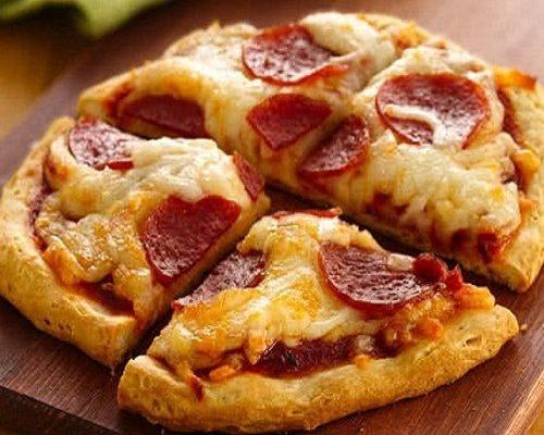 Chẳng cần lò nướng, học ngay cách làm bánh pizza bằng nồi cơm điện