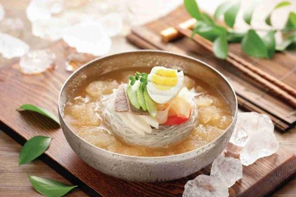 cách làm mì lạnh Hàn Quốc chuẩn vị như nhà hàng