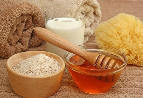 Trị nám bằng cám gạo, mật ong và sữa