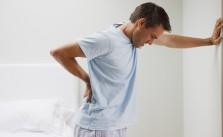 Đi tiểu nhiều ở nam giới có phải do suy thận?